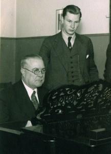 Gregor Heuer und Prof. Artur Kapp (links) in Tallinn ca. 1935