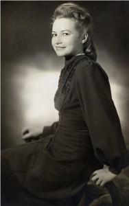 Kreszens (Centa) Strohmeier, geb. Pröll ca. 1945